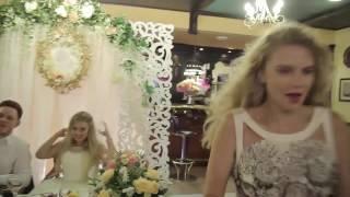 видео Сценарий свадьбы без тамады (для небольшой компании)
