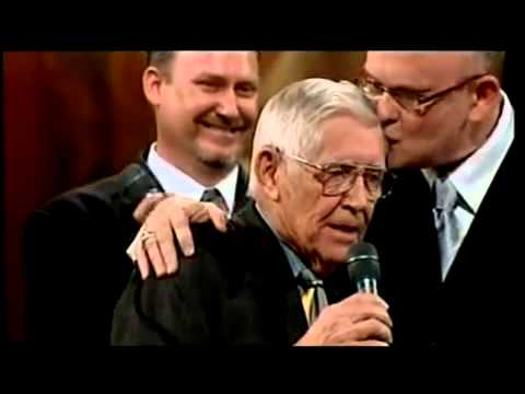 The Crist Family - Where No One Stands Alone ( Mosie Lister ) - YouTube [360p]