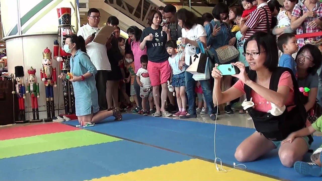 臺南市百合婦女協會~【104年度新光三越寶寶爬行比賽】 - YouTube