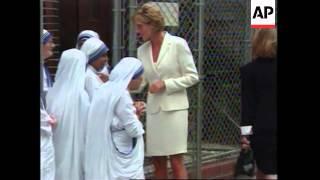 USA - Princess Diana Visits Mother Teresa In Hospital, USA - Princess Diana's Dresses Put On Show Be