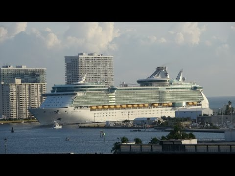 Harmony of the Seas: Ft. Lauderdale, FL Arrival (with Freedom of the Seas) on 11/5/16