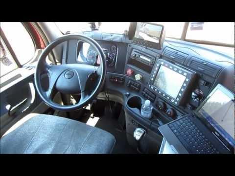 2011 Freightliner Cascadia, Detroit Diesel 455 KM