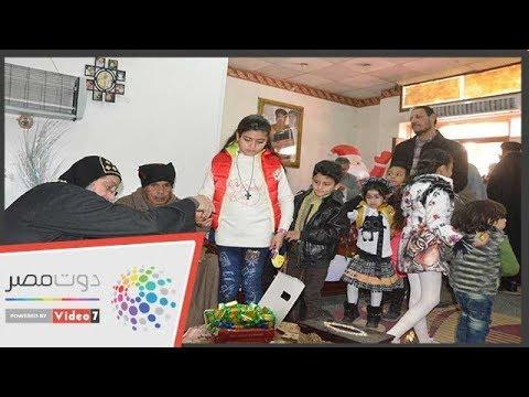القساوسة يوزعون العيدية على الأطفال بالأقصر  - 19:53-2019 / 1 / 7