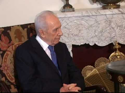 Israel's Peres in Egypt for talks with Mubarak