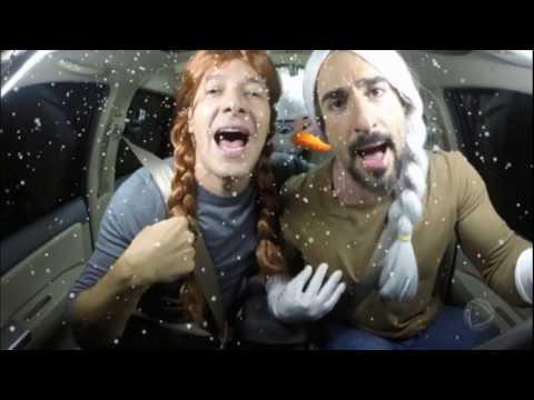 Mion e Faro mostram que são pais dedicados e interpretam música de Frozen