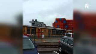 Containers waaien weg bij Oude Maasweg