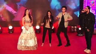 "Asees Kaur, Badshah Live Perfomance at ""Akh Lad Jaave"" | Ayush Sharma | Warina Hussain"