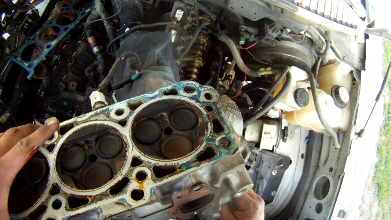 2005 ford expedition 5 4l triton cylinder head removal youtube 1985 Ford F-150 Engine Diagram 2005 ford expedition 5 4l triton cylinder head removal
