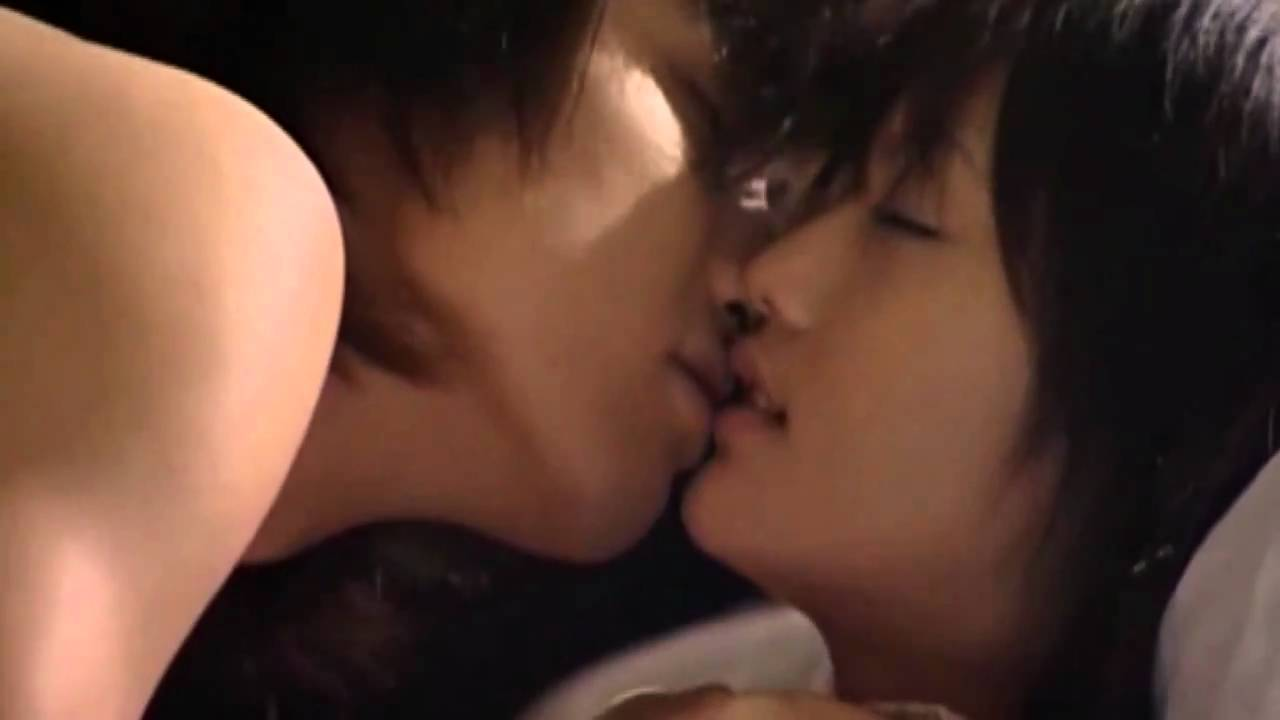 nude chinese girls kissing