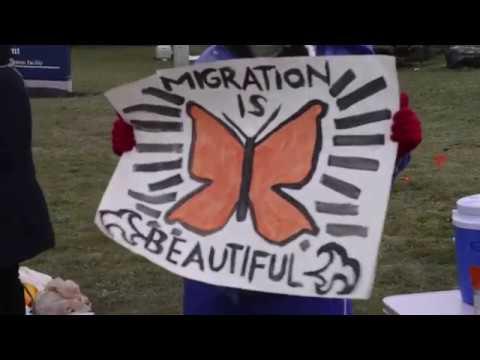 Manifestacion apoya lider de derechos de inmigracion