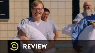 Guards vs. Prisoners Pillow Fight - Review - Comedy Central