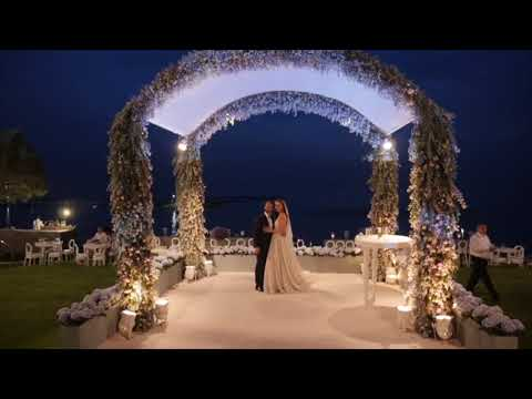 gorgeous and luxurious sea side beach wedding. http://bit.ly/2HDu3dS
