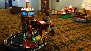 Oyun salonunda jetonlu oyuncakları çalıştırdık.Yusuf ve Fatih selim pilot oldu,Trende makinist oldu