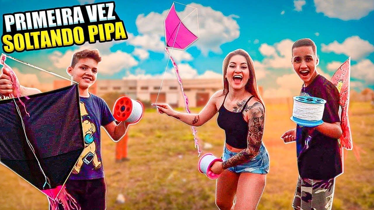 NATHALIE VICTORIA - ERGUENDO PIPA PELA PRIMEIRA VEZ!! ????