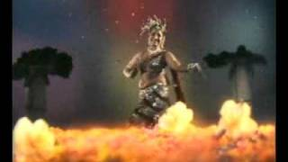 Repeat youtube video jayabharathi hot navel song.flv