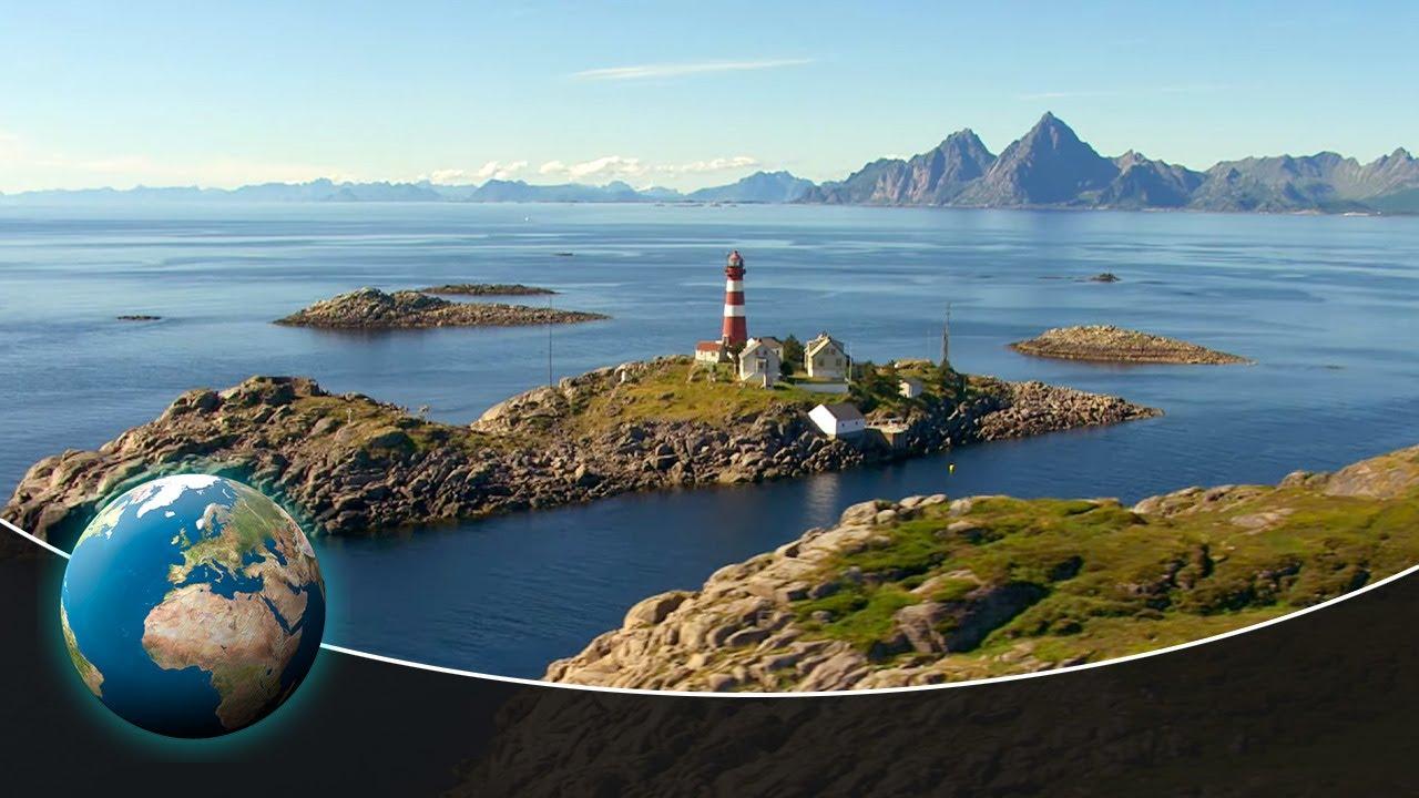 Lofoten - The rugged archipelago in the Norwegian Arctic Ocean