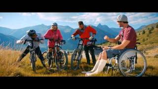 Mountainbike- und Allrad-Action in den Alpen