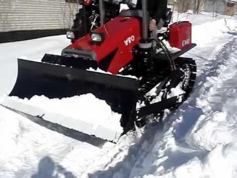 Трактор бульдозер YTO-C602. Уборка снега.