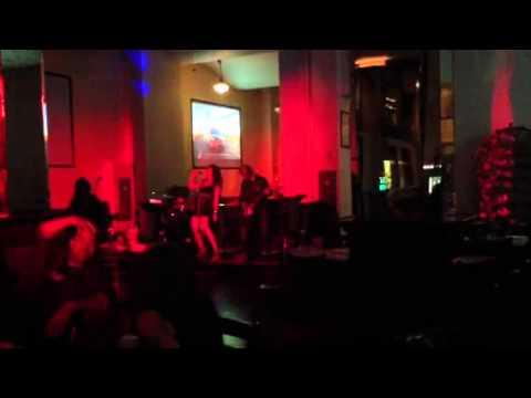 Karaoke band at la brewing co