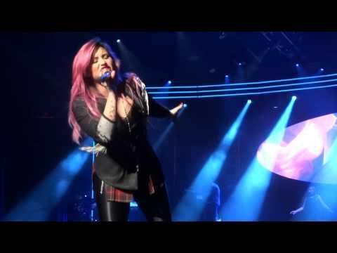 Heart Attack - Demi Lovato (Neon Lights Tour) [Glendale, AZ 2/15/14]
