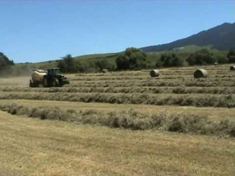Krone Comprima baling in New Zealand
