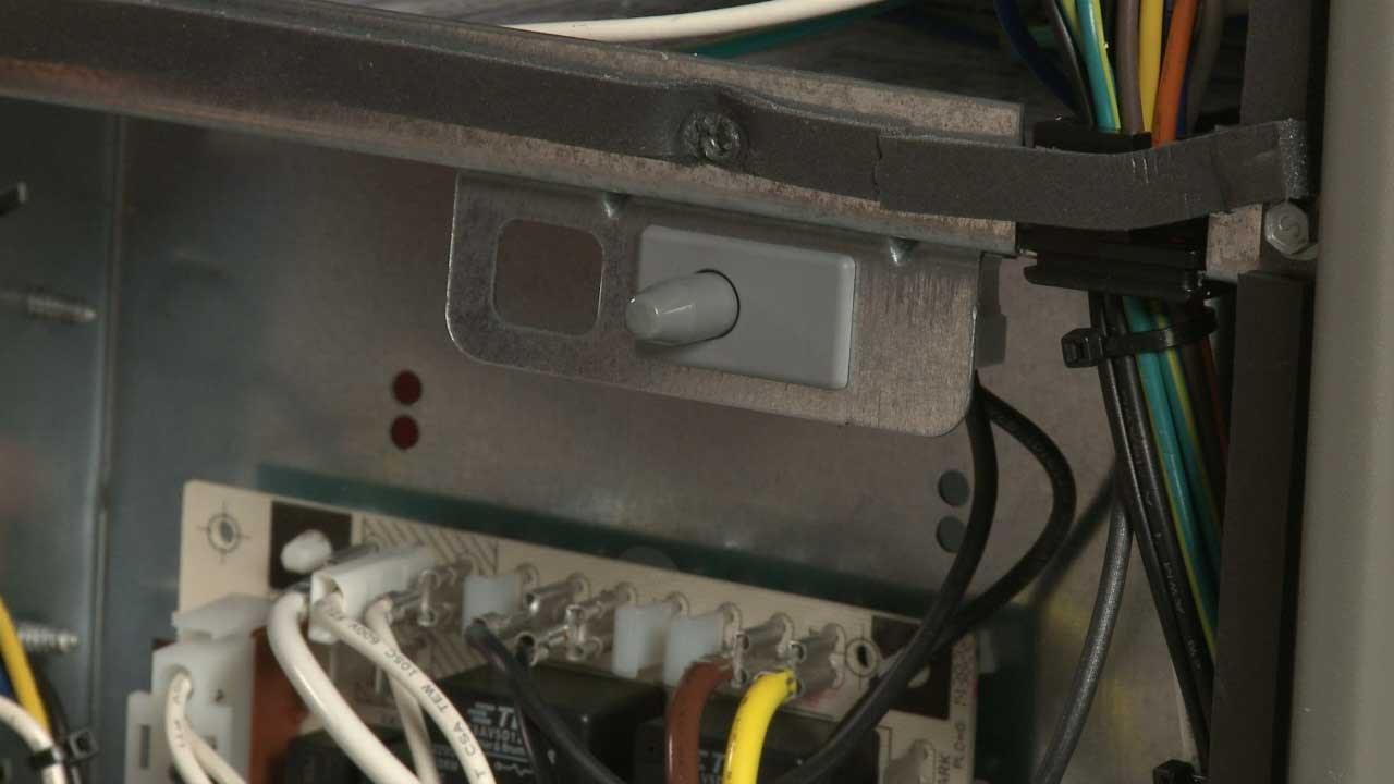 lennox furnace door switch replacement 51w15 [ 1280 x 720 Pixel ]