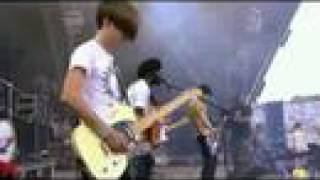 Bloc Party - Hunting For Witches (Live Glastonbury 2007)