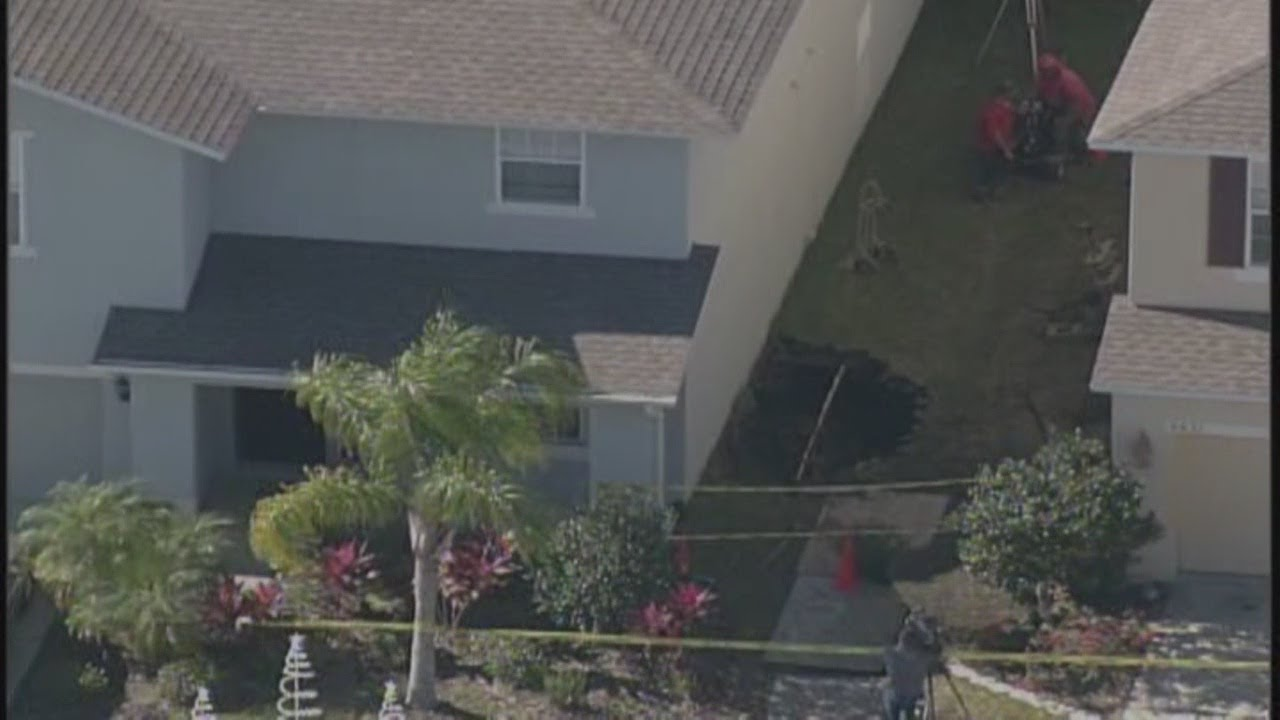 Possible sinkhole in Land O' Lakes