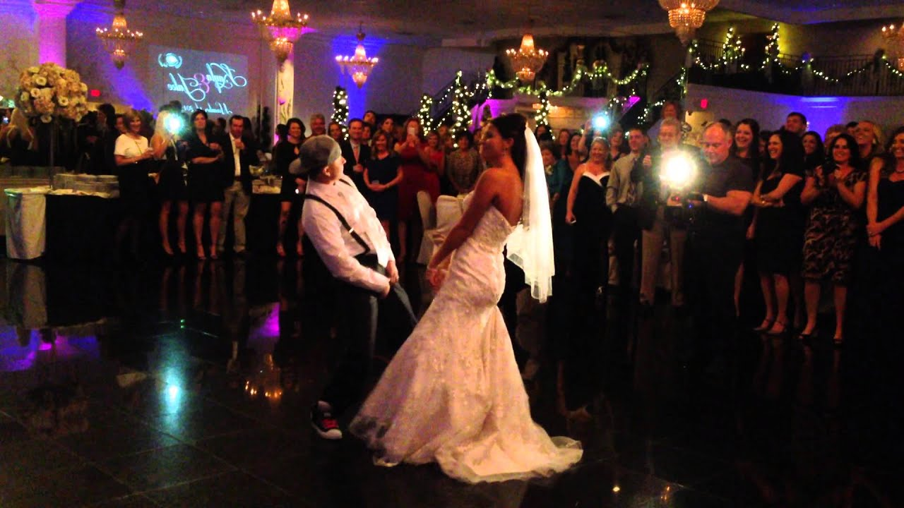 Best surprise hip hop wedding first dance ever bruno mars youtube best surprise hip hop wedding first dance ever bruno mars junglespirit Gallery