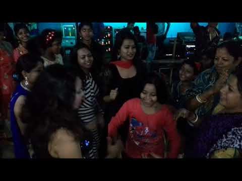 Sopne Bondhu Pabi Re Tui Amke Village Girls Are Dancing