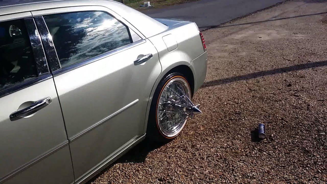 Chrysler 300 on Swingers G10 - YouTube
