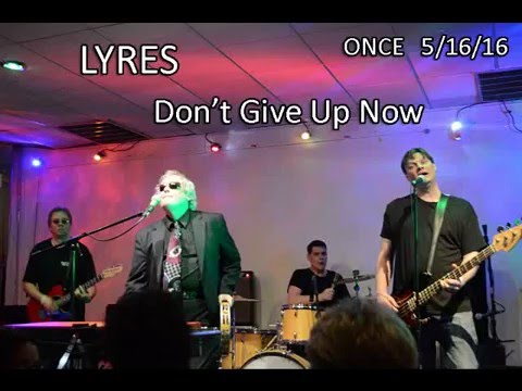 Lyres playing Dont Give It Up Now