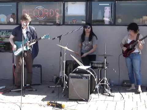 VEGETABLE - 04/16/11 (2/2) @ Revolver Records / Record Store Day - Phoenix, AZ