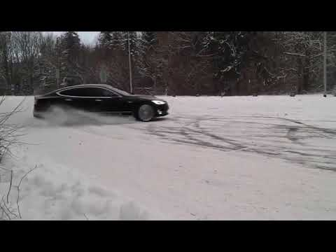 Tesla Model S Snow Drifting