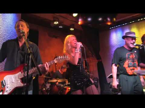 The Funk Junkies - Love Rollercoaster - Live