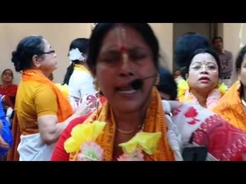 Bangladesh Hindu Mandir kirtana  (16th April, 2016)