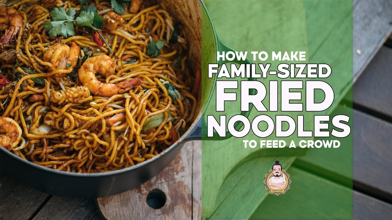 Family Fried Noodles Making Noodles For A Crowd Easy Asian Recipe Youtube