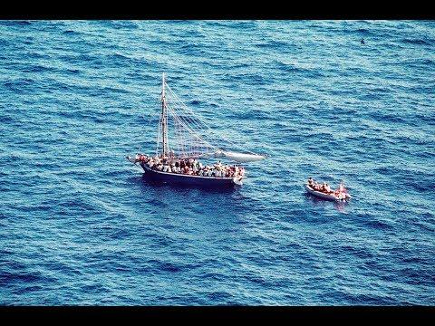 غرق قارب قبالة ساحل أيفاجيك التركي  - نشر قبل 2 ساعة