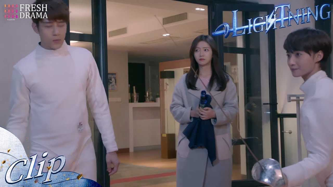 He's right here, but I feel like an outsider   Short Clip EP02   Attack It, Lightning!   Fresh Drama