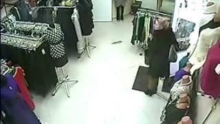 В Мордовии ищут воровку женского платья