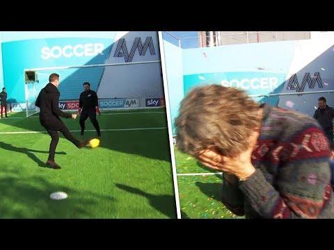Jason McAteer vs Alan Davies  Penalty, volleys, free kick & crossbar challenge  Soccer AM Pro Am