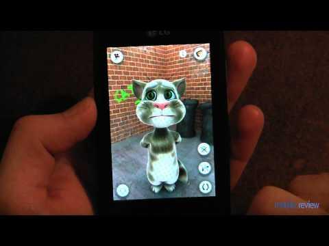 """Игра """"Talking Tom"""" на смартфоне LG Optimus One"""