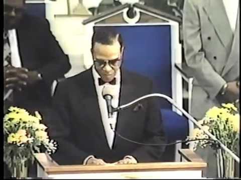 Minister Farrakhan address the Fresno Temple Church of God in Christ