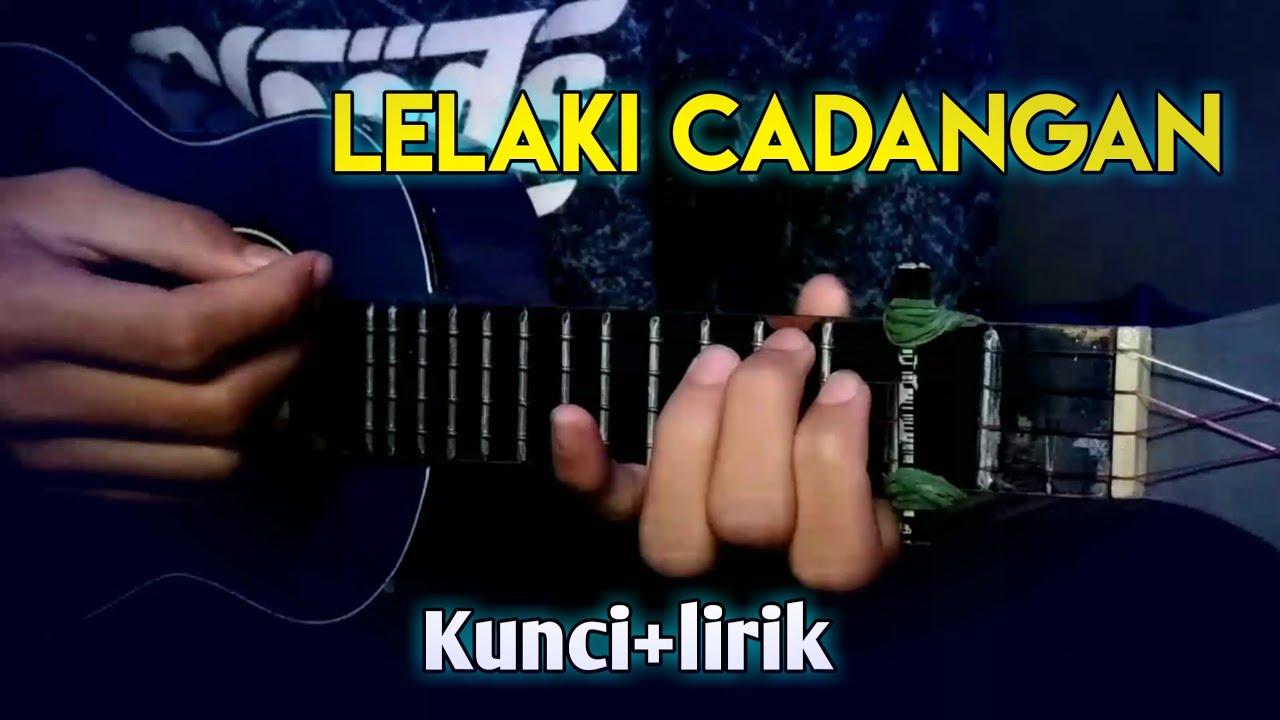 LELAKI CADANGAN - T2 COVER KENTRUNG SENAR 4 (Kunci & Lirik)   Cover Ade Kurniawan