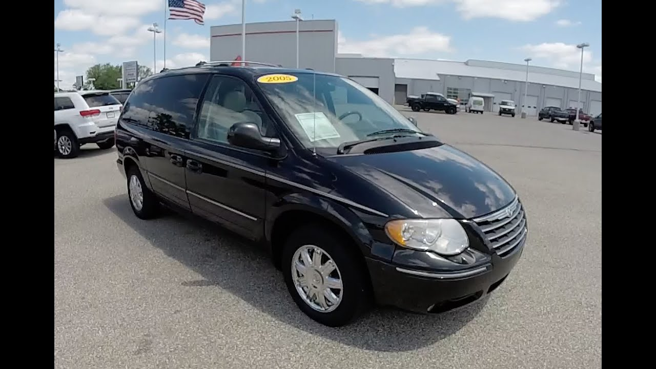 Chrysler Town And Country >> 2005 Chrysler Town Country Limited P10882b