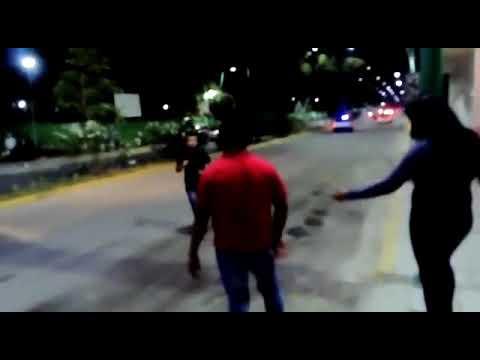 Pelea callejera en tuxtla (Parras) - YouTube