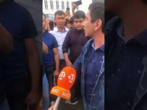 Алматы полициясы ақын Ринат Зайтовты ұстап кетті