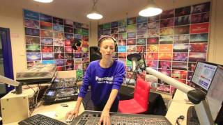 Lady Waks In Da Mix #378 (11-05-2016)