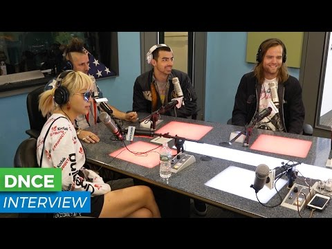 """DNCE Chats """"Kissing Strangers"""" And Plays JinJoo Trivia 