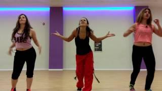 La pregunta- J. Alvarez. Zumba Fitness class